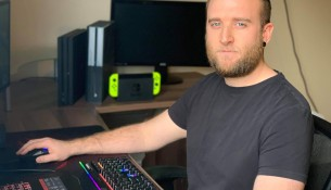Brock PhD student Garrick Forman, (MSc'19) is part of the team at the University's Neuromechanics and Ergonomics Lab, which is studying the characteristics, habits, pain and discomfort in casual and professional gamers via Brock University — Communications & Public Affairs.